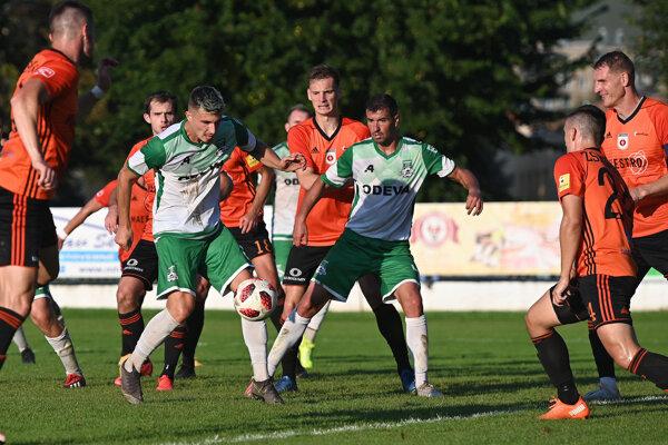Futbalisti Lipian napriek veľkej snahe loptu do ružomberskej siete nedostali.