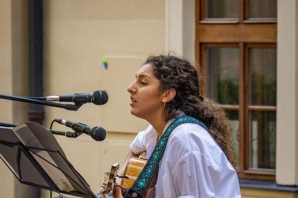 Lara Abou Hamdan