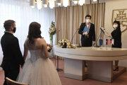 Na celej Orave je zákaz organizovať svadby s viac ako 30 osobami.