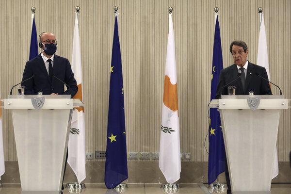 Cyperský prezident Nicos Anastasiades počas rokovaní s predsedom Európskej rady Charlesom Michelom v Nikózii.
