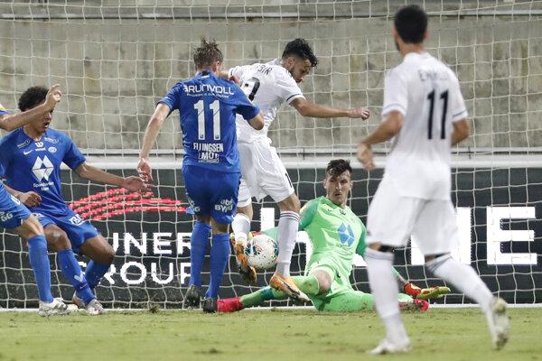 Momentka zo zápasu Omonia Nikózia - CZ Belehrad.