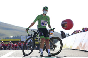 Sam Bennett vlastní zelený dres na Tour de France 2020.