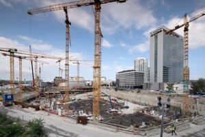 Betónovanie základnej dosky prvého slovenského mrakodrapu Eurovea Tower.