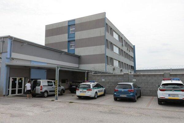 Firma Bonul v Nitre, patriacej rodine Bödörovcov, v ktorej zasahovala NAKA v súvislosti s rozsiahlou akciou súvisiacou s výstavbou cestnej infraštruktúry.
