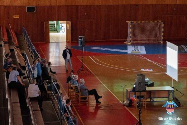 V športovej hale Mier v Bardejove sa konalo pracovné stretnutie.