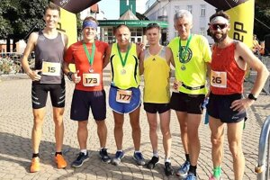 Zľava víťaz Martin Rusina, Tomáš Ferenčík, Viktor Fonfer, Jozef Urban, Ján Jankoľa a Andrej Páleník.