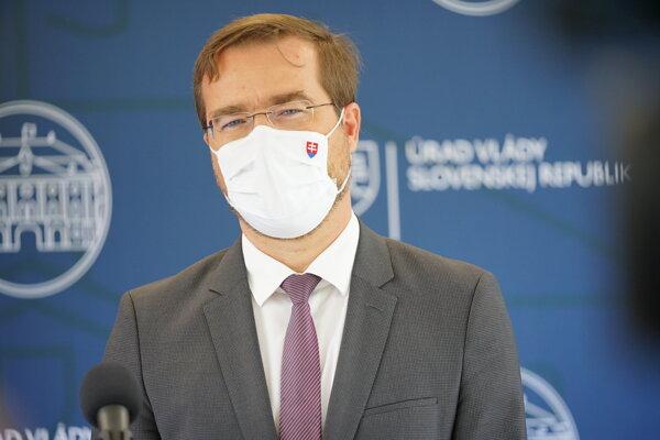 Minister Krajčí.