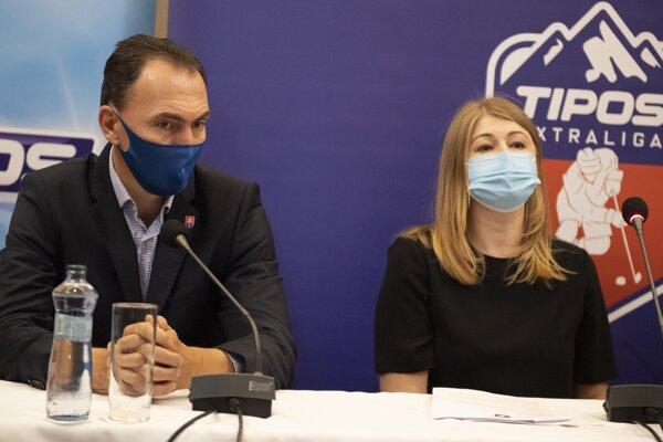 Miroslav Šatan, šéf SZĽH, a Aneta Büdiová, šéfka APHK.