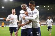 Gabriel Jesus (v strede) po góle do siete Wolverhamptonu.