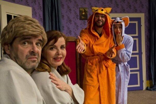 Komédiu Horúca sprcha môžu diváci vidieť už onedlho v Handlovej.