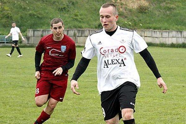 Autori gólov v zápase Chrenová - Zbehy: Michal Volentier (vpravo) a Bohuš Luzár.