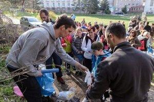 Akcie sa zúčastnil rekordný počet dobrovoľníkov.