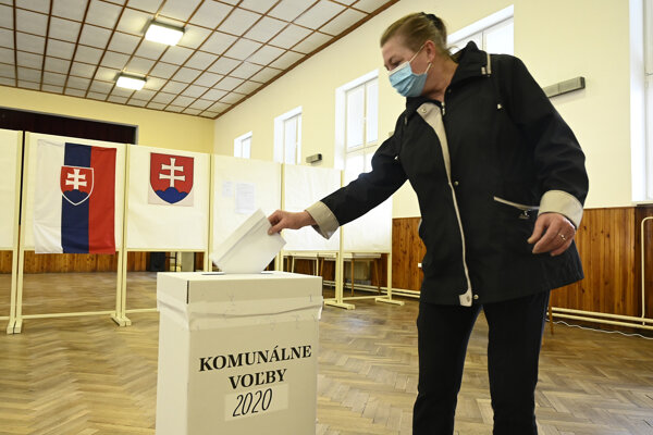 Na Slovensku sa v sobotu konali doplňujúce komunálne voľby.