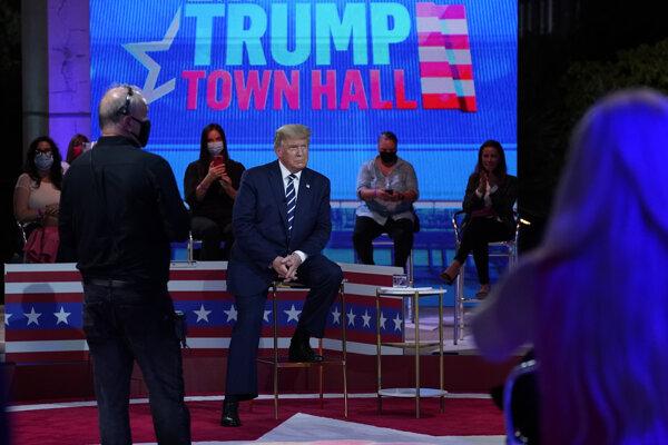 Donald Trump počas televíznej diskusie v Miami v americkom štáte Florida.