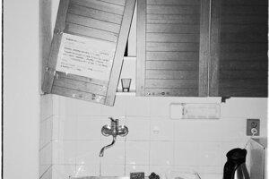 Jediná funkčná kuchyňa na celú budovu s odkazmi od nájomníkov.