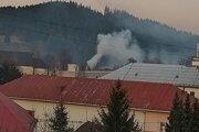 v rodinných domoch v Turzovke kúria obyvatelia väčšinou tuhým palivom, drevom a uhlím.