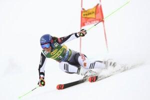Petra Vlhová na trati 1. kola.