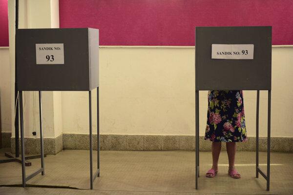 V Tureckom okupovanej časti Cypru sa koná druhé kolo prezidentských volieb.