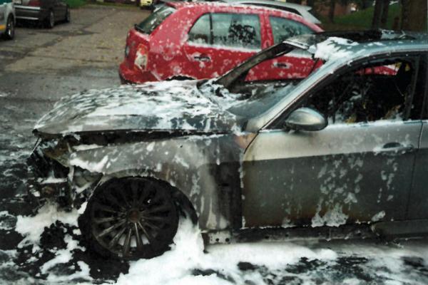 Autá zhoreli na vranovskom sídlisku.