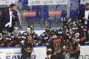 Košickí hokejisti v súboji s Michalovcami vybojovali cenný bod.