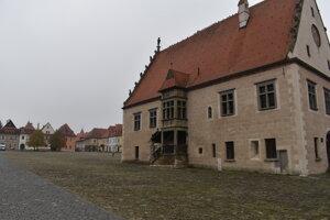 Pusté námestie v Bardejove počas testovania na Covid-19.