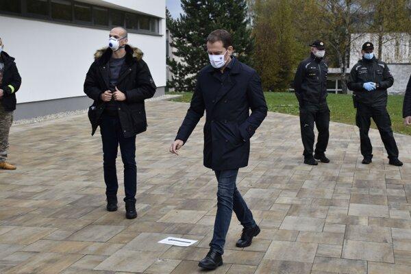Premiér Igor Matovič počas návštevy Tvrdošína.