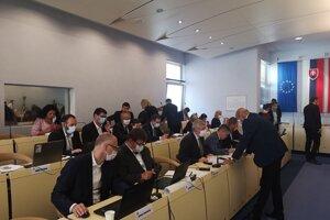 Prešovskí poslanci sa nemajú stretnúť osobne, ale cez videokonferenciu.