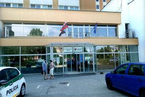 Počas utorka pristúpilo ministerstvo k zatvoreniu svojich pracovísk pre verejnosť.