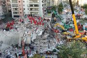 Turecké úrady zatiaľ evidujú 831 zranených.