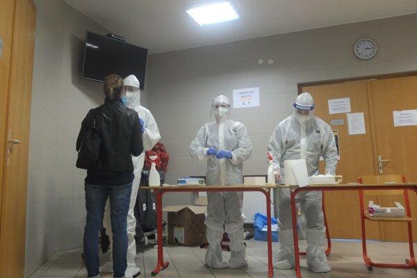 V tomto testovacom tíme chýbali ráno o 7. hodine dvaja zdravotníci.