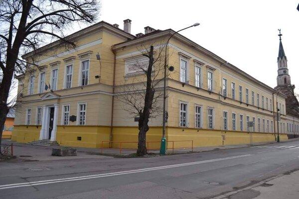 Základná škola a materská škola J. Kármána s vyučovacím jazykom maďarským bude mať modernú učebňu.