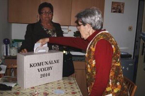 V zariadení pre seniorov volila aj Antónia Géciová.