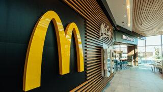 V McDonald's si priplatíte, stúpli ceny menu hamburgerov