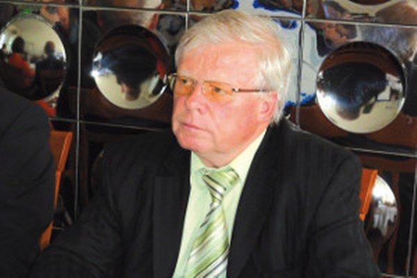 Odstupujúci kandidát Jamrich sa rozhodol podporiť poslanca Ladislava Prešinského.
