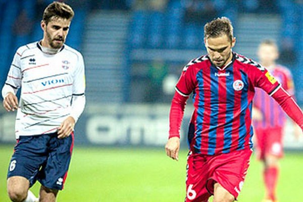 Bratranci Márius Charizopulos a Tomáš Kóňa si zahrali proti sebe.