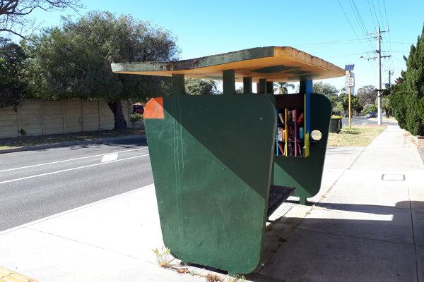 V Austrálii sú autobusové zastávky, kam možno odkladať prečítané knihy.