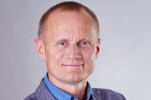 Štefan Nagy je bývalý známy futbalista a úspešný maklér.