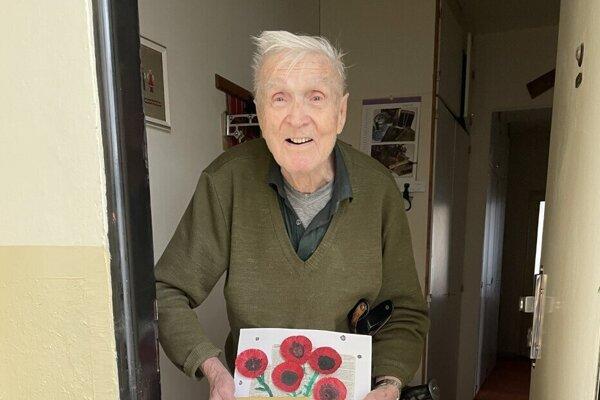 Ondrej Kučera sa obrázku aďakovnej pohľadnici žiakov evanjelickej školy veľmi potešil ažiakom poprial veľa tvorivosti vich ďalšom štúdiu.