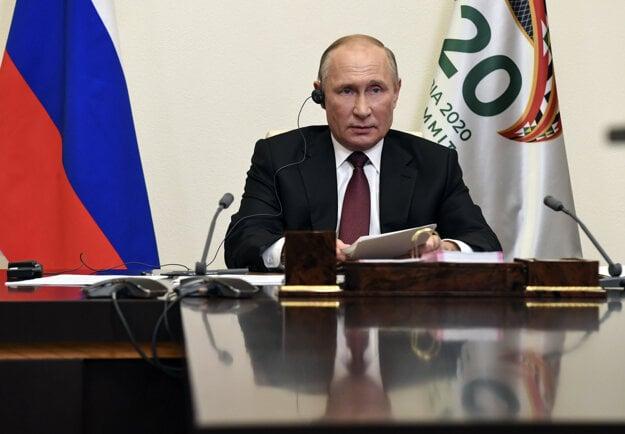 Ruský prezident Vladimir Putin v priebehu rokovaní zoskupenia G20.