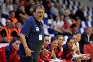 Tréner slovenskej reprezentácie žien v hádzanej Pavol Streicher.