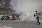 Romain Grosjean havaroval na Veľkej ceny Bahrajnu.