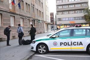 K napadnutiu Jakuba došlo v tej budove polície na Pribinovej ulici.