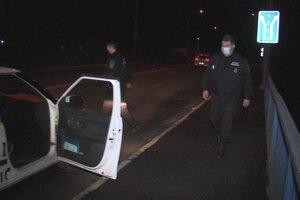 Hliadka mestských policajtov Ladislav Fedič a Ján Antoni zabránili mužovi skočiť z mosta.