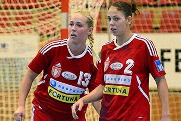 Sestry Bízikové si odniesli z Olomouca dve individuálne ceny. Vľavo Boglárka, vpravo Réka.