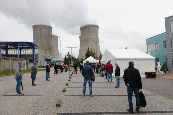 Testovanie zamestnancov na koronavírus v Jadrovej elektrárni Mochovce.