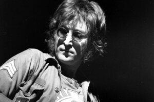 John Lennon bol zavraždený 8. decembra 1980 pred svojím domom v New Yorku.
