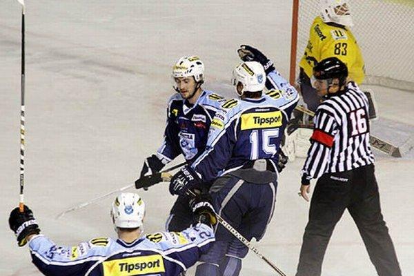O víťazstve rozhodol v nájazdoch Roman Tománek, ktorý prihrával aj na druhý gól Nitry.