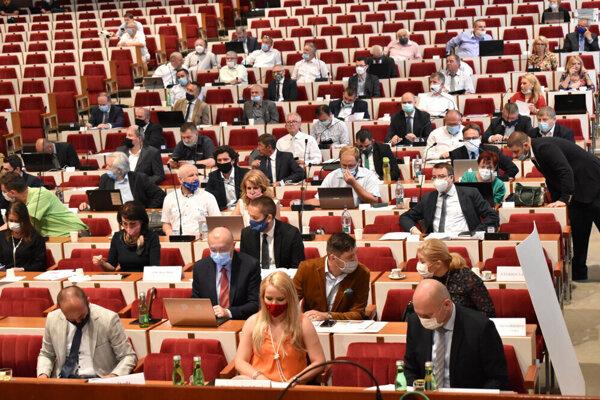 Košických župných poslancov čaká posledné rokovanie v tomto roku.