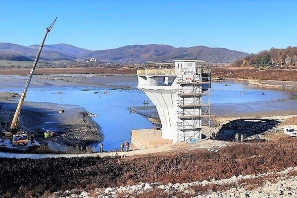Vodné dielo Ružiná prechádza rozsiahlou rekonštrukciou. Aktuálne sa práce presunuli do podzemia.