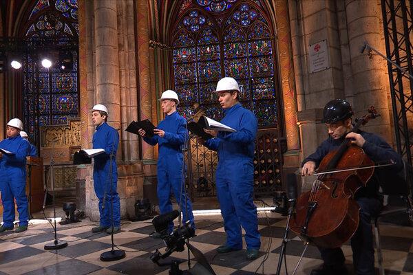 Prvý koncert po požiari v Notre-Dame.